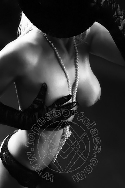Lady Larissa  KITZINGEN 004916092918663